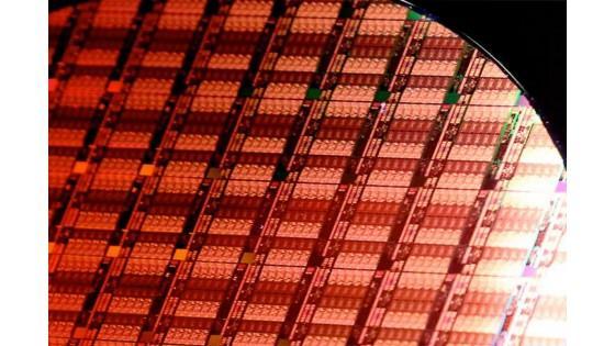 Несмотря на сокращение продаж Intel остается лидером рынка полупроводниковой продукции, AMD и MediaTek вошли в топ-15